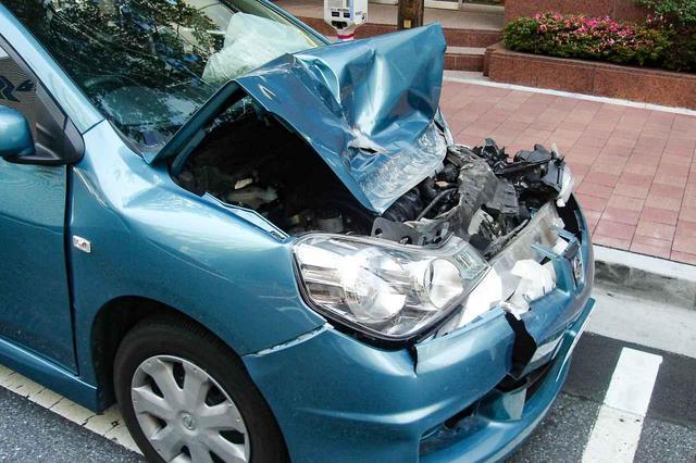 画像: 物損事故のイメージ。