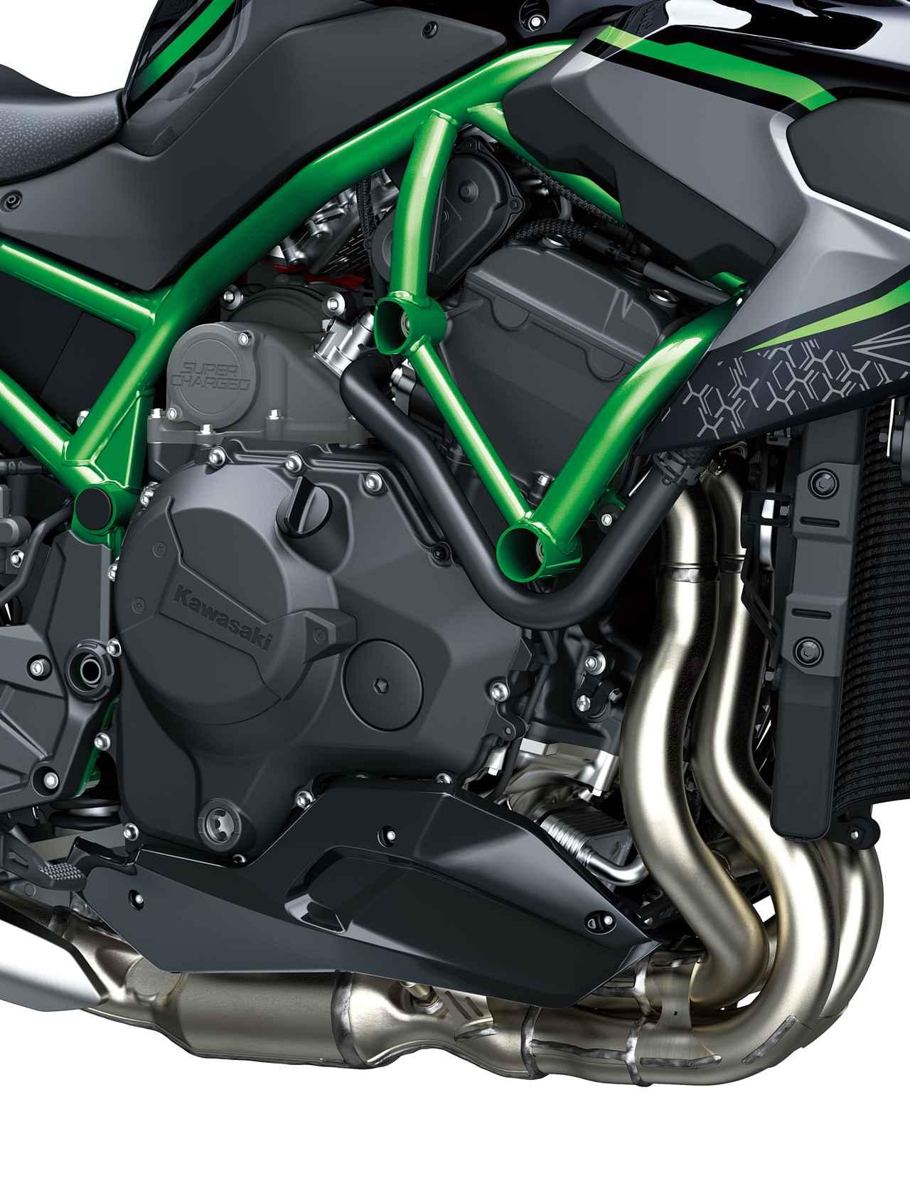 画像5: スーパーチャージドエンジンを搭載したネイキッドモデル、最高出力は200馬力!