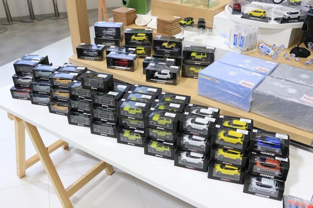 画像9: スズキブースは〈WAKU WAKU〉しちゃう展示がいっぱい! ここではレア物の買い物もできる!?【東京モーターショー2019】
