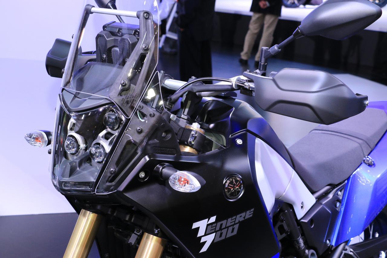 画像: ナックルガードも欧州仕様は標準装備。ヘッドライトも明るそうですよね!