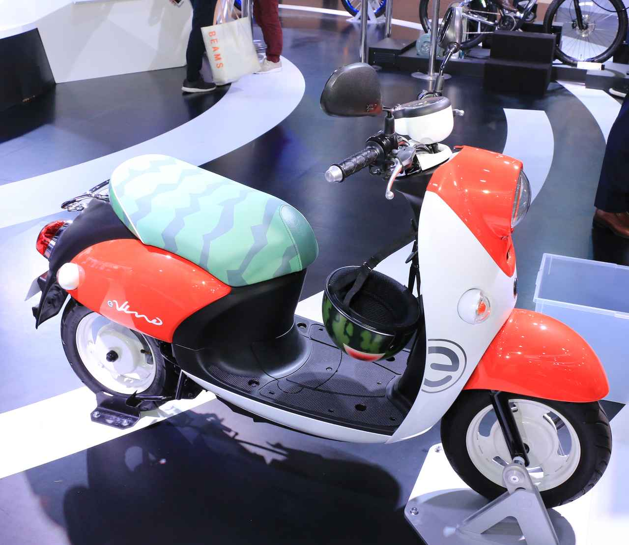 Images : 2番目の画像 - E-Vino(スイカ・カスタム)をもっと見る! - webオートバイ