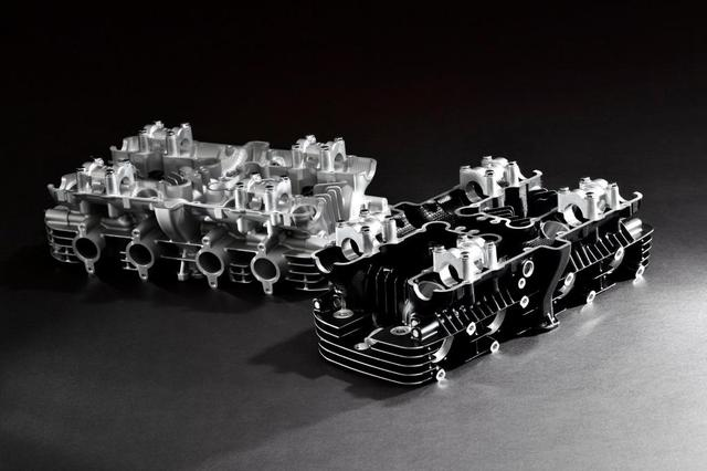 画像: Z1&Z2のシリンダーヘッド(ブラックとシルバーの2種類が用意される)。排気管の取り付け用スタッドボルト寸法は、後期型のM8を採用しているので「KZ1000Mk II」などのモデルには未適応。