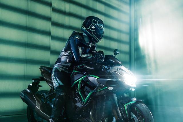 画像: カワサキ「Z H2」が新登場! 走行写真&各部カットを一気見せ!! - webオートバイ