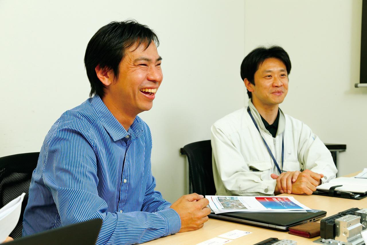 画像: 今回はボッシュで二輪パーツの技術開発に携わる岩月氏(左)と、由類江氏(右)にお話を伺った。