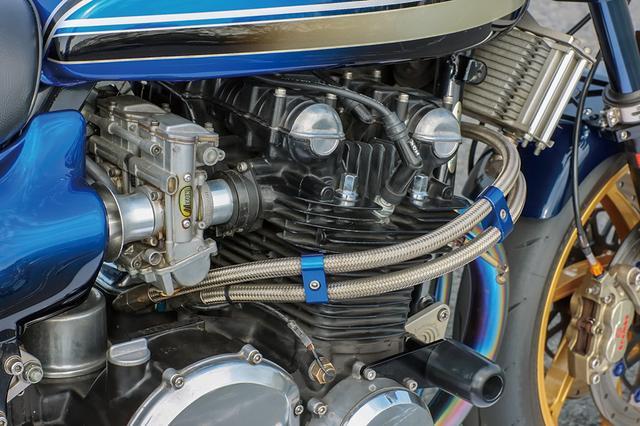 画像: エンジンはワイセコφ73mmピストンとZ1クランクによって1105cc化し、ヨシムラST-1カムシャフト組み込みやポート加工なども行う。