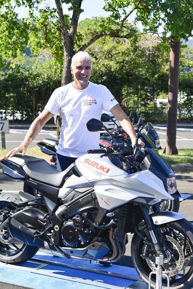 画像2: 新型KATANAのデザイナー、フラスコーリさんに突撃取材! カタナというバイクの印象、そしてアップハンドルについても聞いてみた!