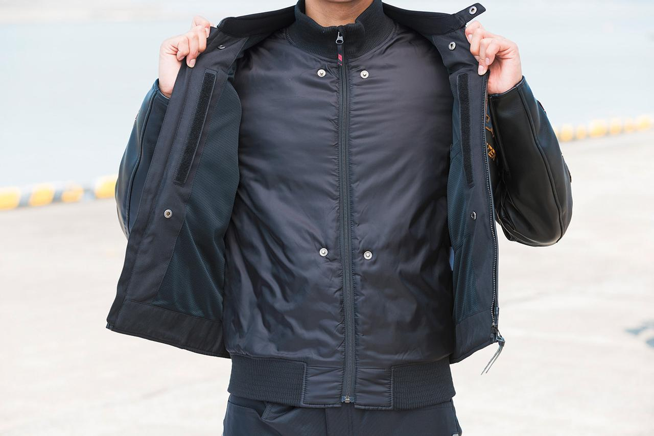画像: 取り外しできるリブ付きインナーは中綿入りで、冬場のライディングにも対応する優れた保温性を発揮。
