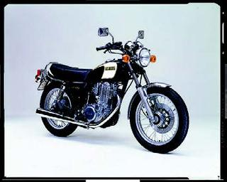 ヤマハ SR400 1983 年 4月