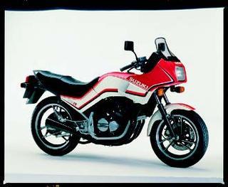 スズキ GS250FW 1983 年 3月
