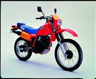 ホンダ XLX250R 1983 年 4月