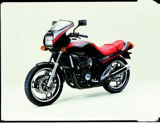 ヤマハ XJ400ZS 1983 年 4月