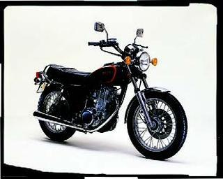 ヤマハ SR400 1982 年 9月