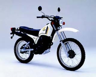 ヤマハ XT200 1982 年 8月