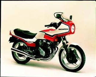 ホンダ CBX400Fインテグラ 1982 年 6月
