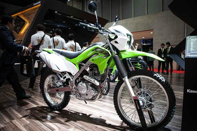 画像: カワサキブースで「KLX230」を見て、触れて、跨がれるチャンス! - webオートバイ