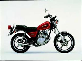 スズキ GN125E 1982 年 8月