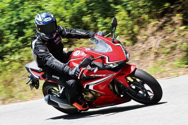 画像1: バイクからライダーへのインフォメーションに優れ、乗りこなす喜びを縦横無尽に堪能できます!