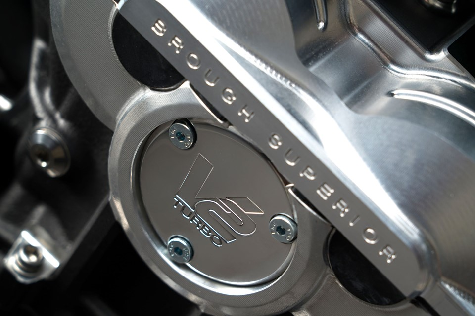 画像2: 写真:Aston Martin(Facebook)