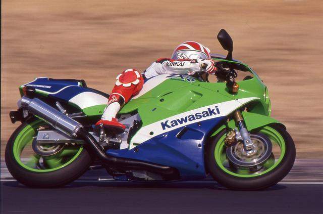 画像: 【絶版名車インプレッション】KAWASKAI ZXR250(1989年) - webオートバイ