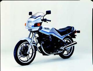 ヤマハ XS250S 1984 年 3月