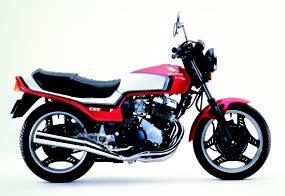 Images : ホンダ CBX400F 1984 年 9月