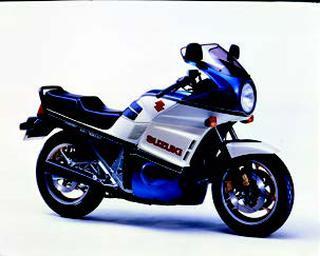 スズキ GSX1100EF 1985 年