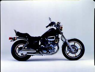 ヤマハ XV750ビラーゴ 1984 年 8月