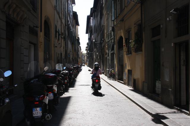 画像: ※イメージ写真/イタリア、フィレンツェの街角(撮影:西野)
