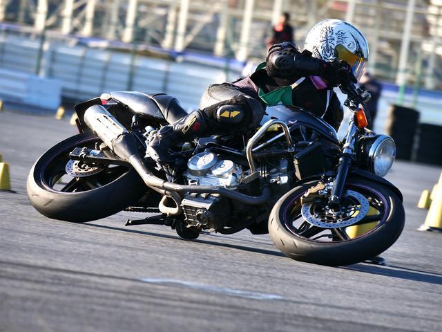 画像: レディス1位 山内沙世選手(C1級)&VTR250 1分41秒011