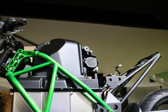 画像3: 4速ミッションにユニトラックサス、タイヤはラジアル!