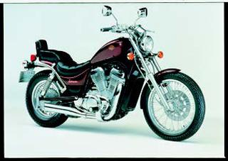 スズキ VS750イントルーダー 1985 年 4月
