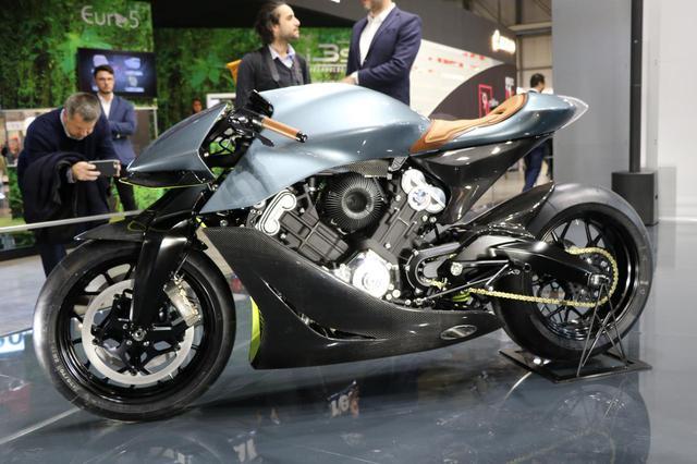 画像2: イギリスが誇る高級バイクメーカー「ブラフ・シューペリア」とのコラボ