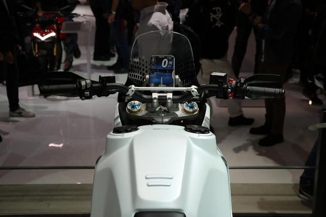 画像5: スクランブラー1100のエンジンを搭載したアドベンチャーコンセプト!