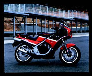 カワサキ KR250S 1985 年 4月