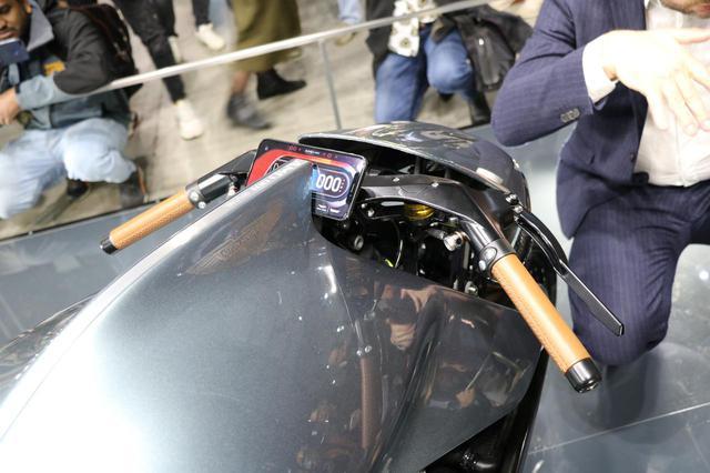 画像7: ボディはオールカーボン、エンジンは180PSのV2ターボ!