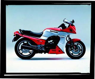 カワサキ GPZ750R 1985 年 3月