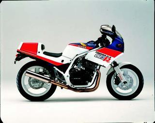 ホンダ CBR400Fフォーミュラ31985 年 8月