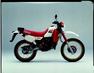ヤマハ DT200R 1985 年11月