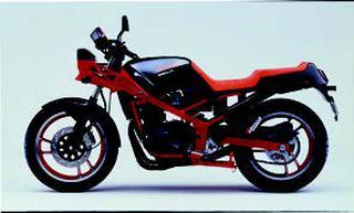 スズキ GSX400Xインパルス 1986 年 3月
