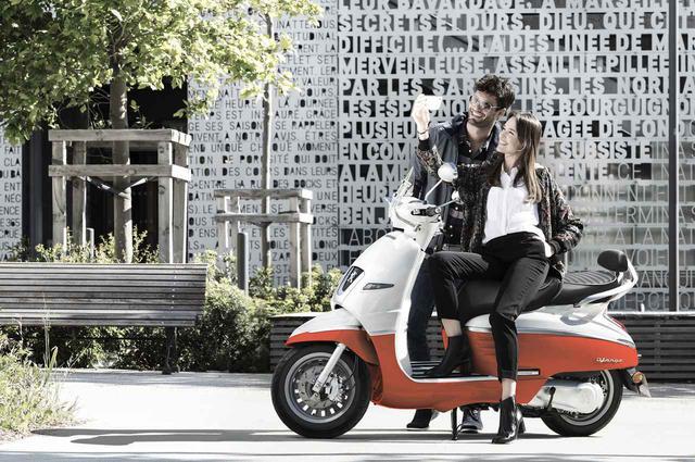 画像1: 〈オシャレ原付二種〉プジョー「ジャンゴ125」の2019年モデルが登場! 原付とは思えないこだわりが満載 - webオートバイ