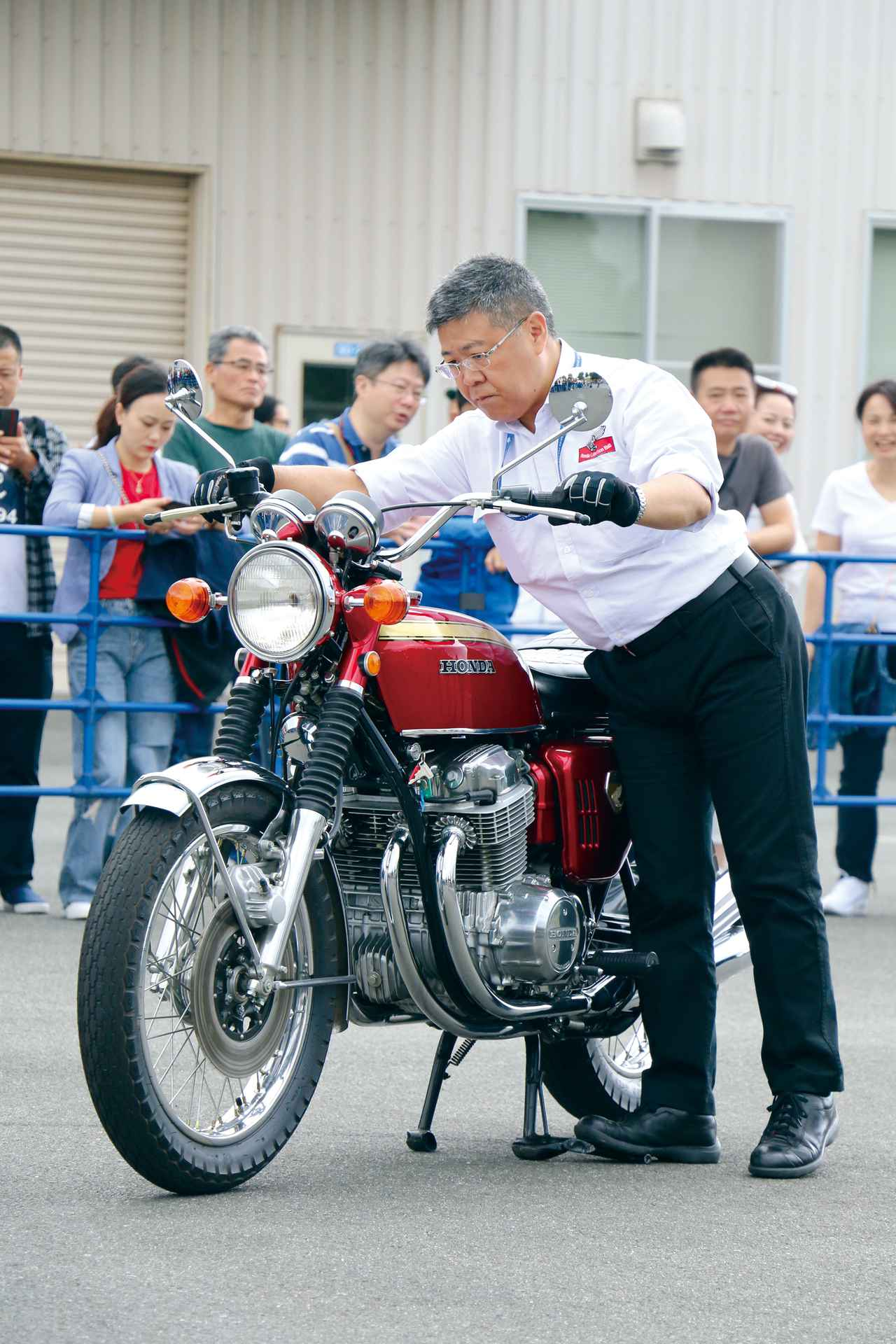 Images : 17番目の画像 - 写真をもっと見る! - LAWRENCE - Motorcycle x Cars + α = Your Life.