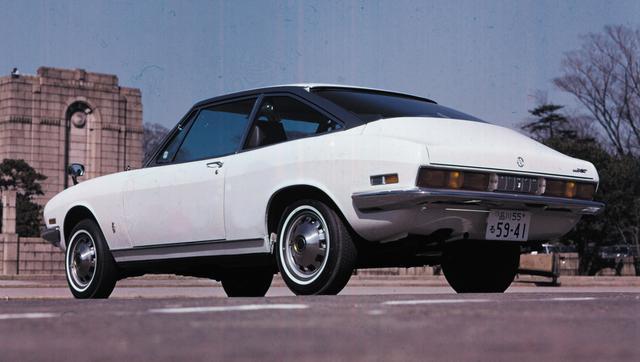 画像: いすゞ 117クーペ 1968年12月、1584㏄4気筒DOHC搭載でデビューした117クーペ。一次プレス以外はハンドメイドの少量生産モデルであったが、73年3月から量産化。エンジンは1800㏄のみとなり、DOHC+ECGIの140馬力からSOHC+2バレルシングルの100馬力までの4機種となった。78年には1949㏄にスケールアップし、81年6月、ピアッツァの登場まで生産された。写真はSOHC+2バレルシングルのPA95型XT。 【117クーペ主要諸元】●エンジン形式:水冷4ストDOHC2バルブ直列4気筒●総排気量:1584cc●最高出力:120PS/6400rpm●最大トルク:14.5kg-m/5000rpm●車両重量:1050kg●燃料タンク容量:58ℓ●タイヤサイズ前・後:6.45H-14●発売年月:1968年12月●発売当時の新車価格:172万円 ※諸元はPA90型