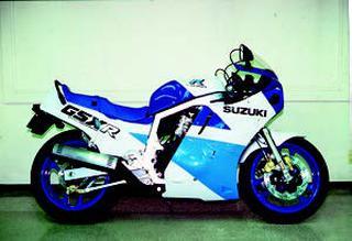 スズキ GSX-R750 1987年 3月