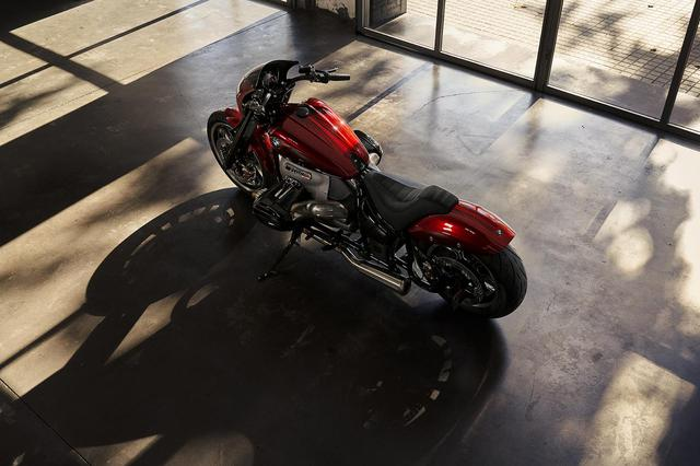 画像: モダンなストリートドラッグスタイルで登場した「Concept R18/2」