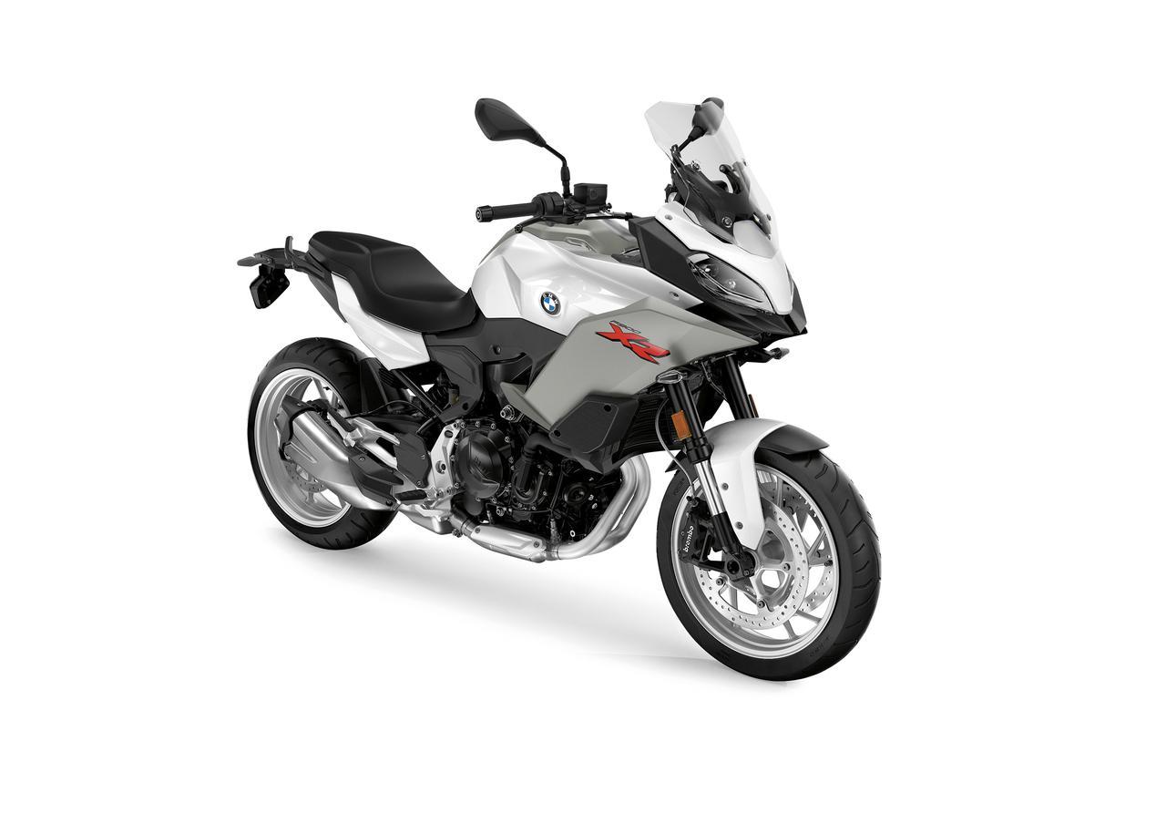 画像1: BMWはニューモデル「F900XR」も発表! ツーリングの快適装備が充実した、大きすぎないアドベンチャースポーツバイク【EICMA 2019速報!】
