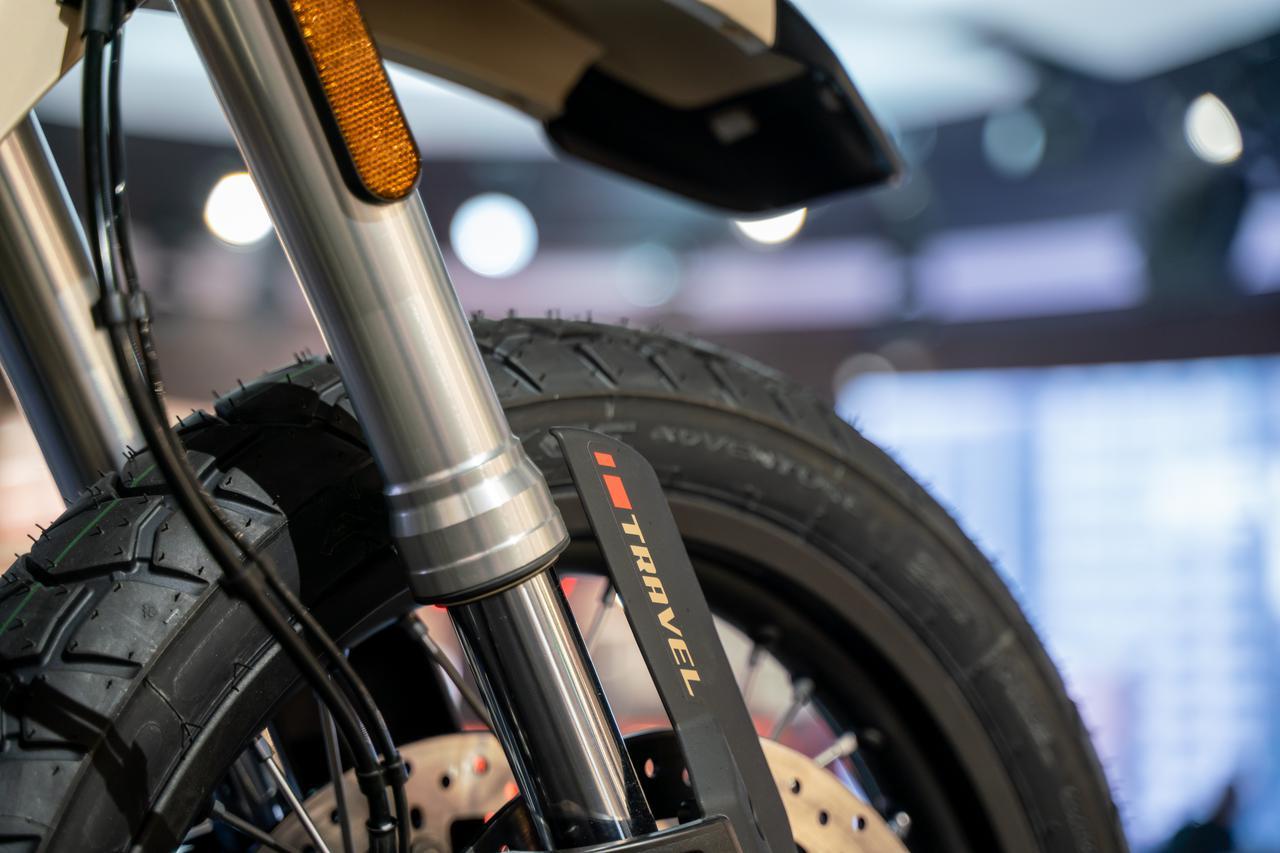 Images : 7番目の画像 - Moto Guzzi「V85 TT Travel」の写真を全て見る! - webオートバイ