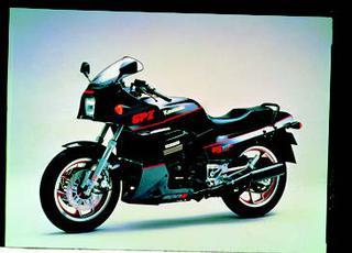 カワサキ GPZ900R 1988 年