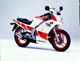 ヤマハ TZR125 1988 年2月