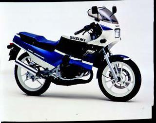 スズキ RG125Γ 1988 年 3月