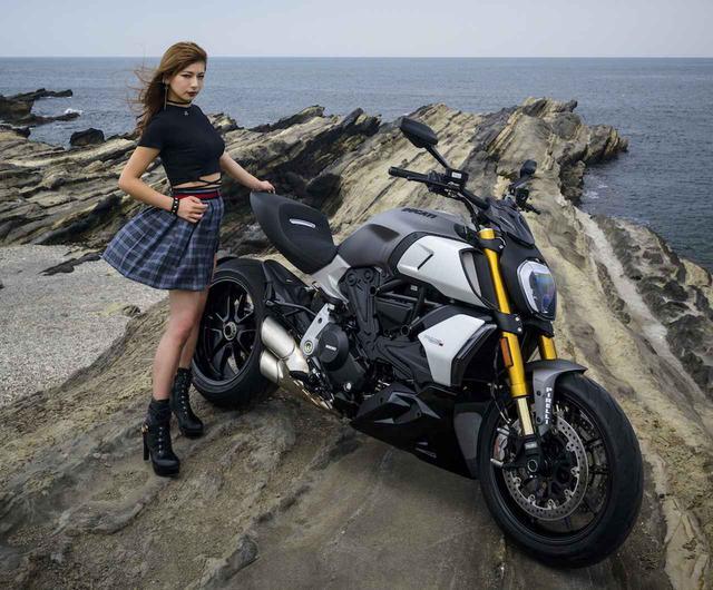 画像: ドゥカティの新型「Diavel1260S」を詳解!「The Other Side of Red」Ducatiのほとばしる光彩/『ゴーグル』9月24日発売 - webオートバイ